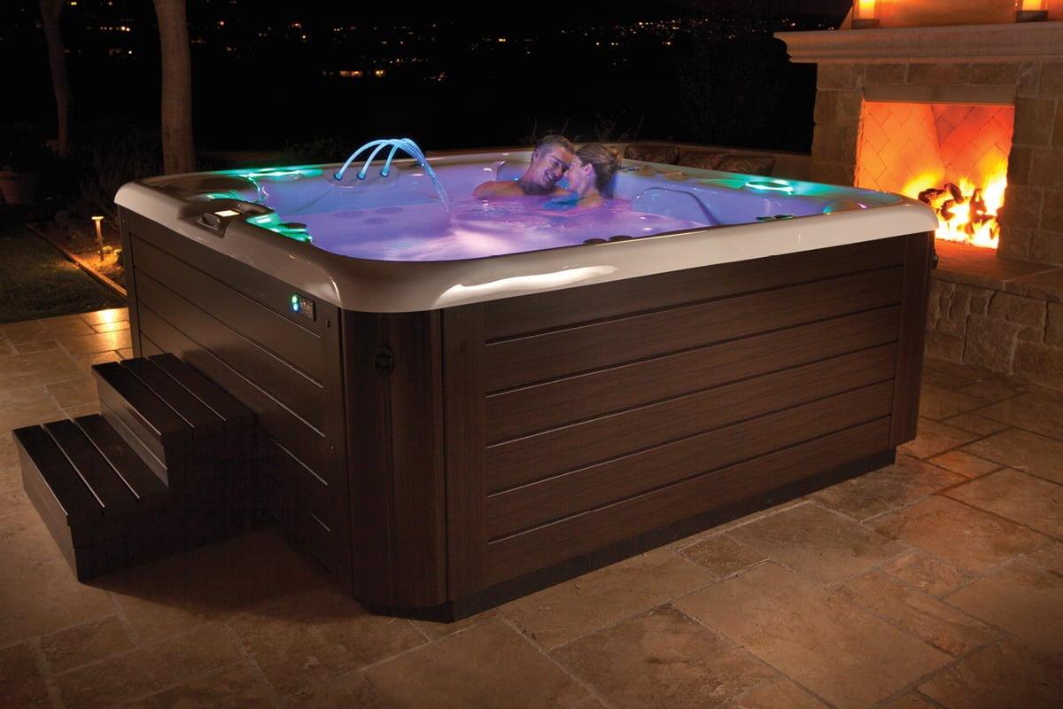 Hot_Tubs_Spas_HotSpring_Highlife_03_Grandee Наружные SPA ванны