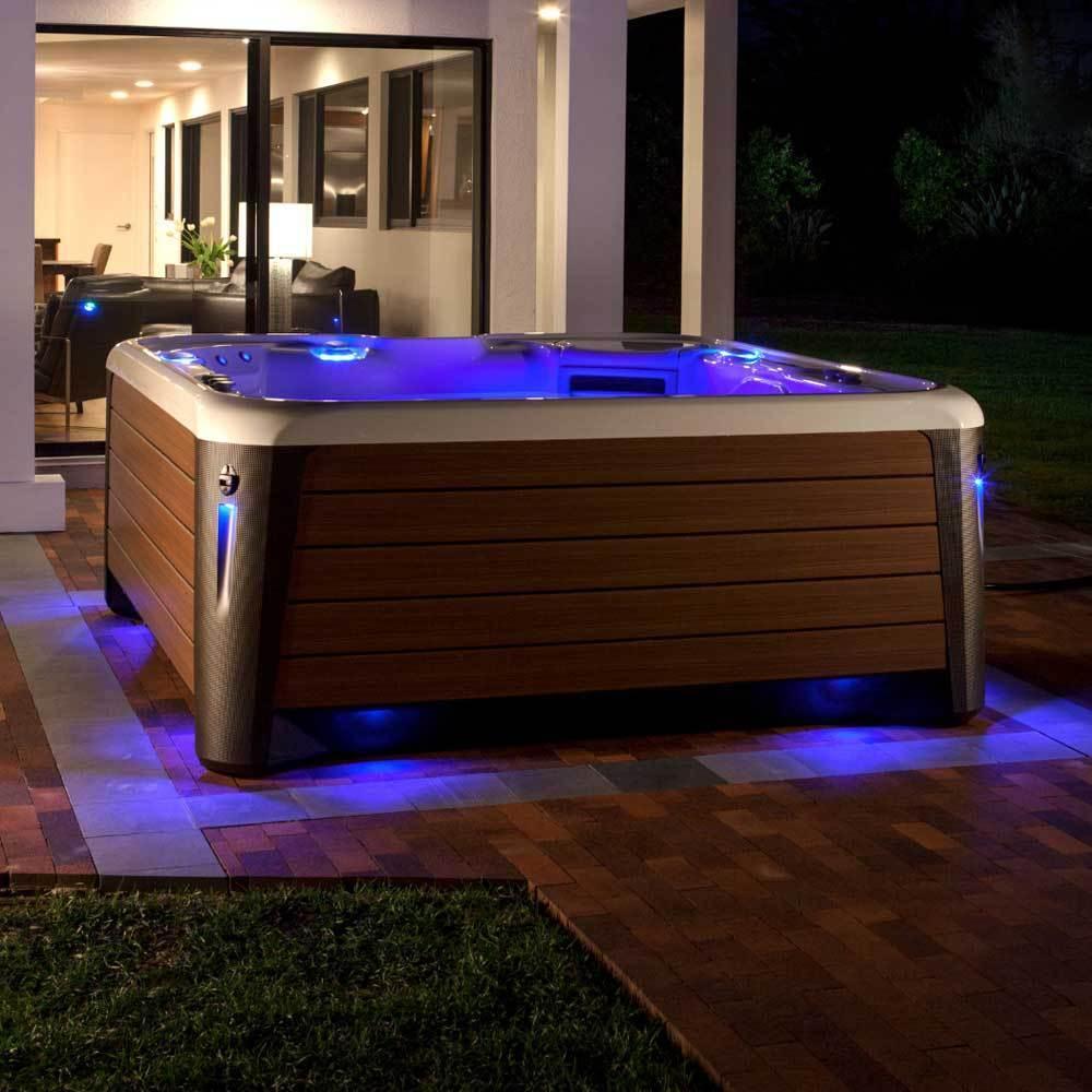 spa-and-wellness-hot-spring-highlife-collection-envoy-nxt-hot-tub-2 Наружные SPA ванны