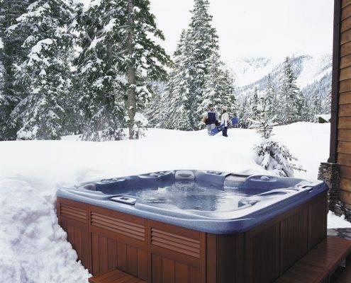 sundancespas-2-495x400 Baseini, SPA vannas, baļļas / mucas, dušas
